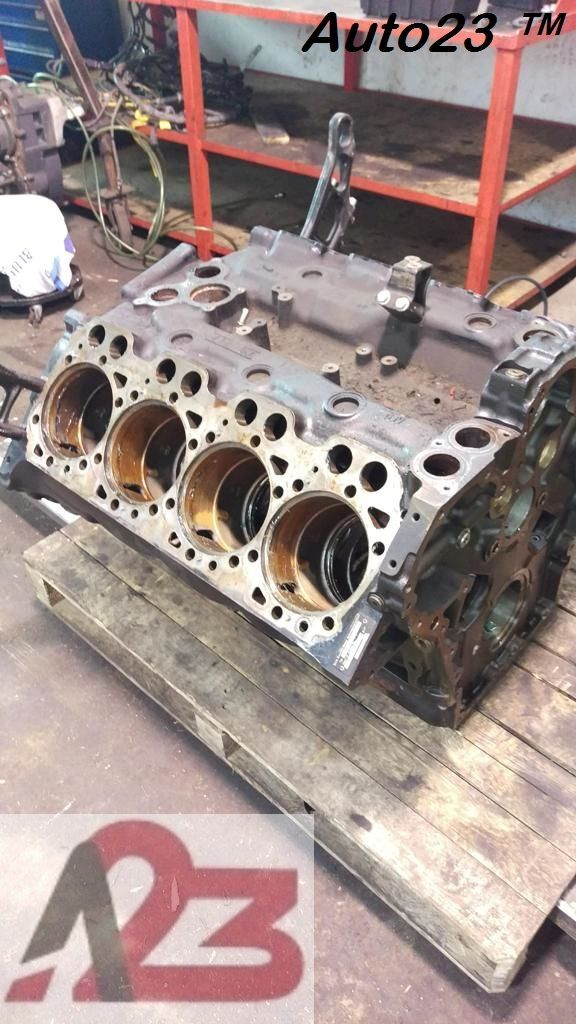 blok silnika LIEBHERR D28 E5 Crankcase MAN V8 (D2868LF) do koparki